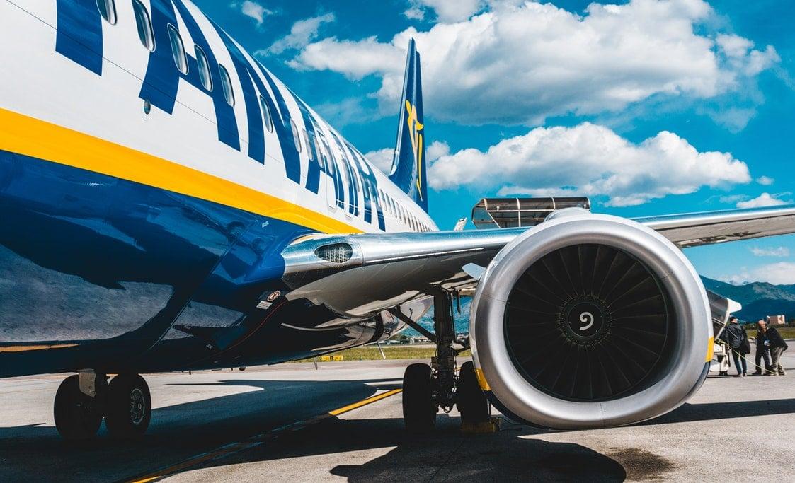 Half-year passenger flow of Ryanair fell by 80%