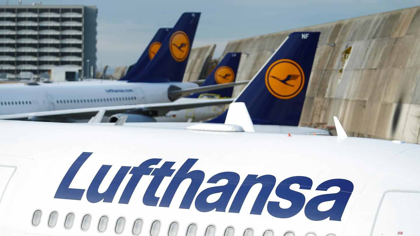 Lufthansa published prices on paid menu for economy class