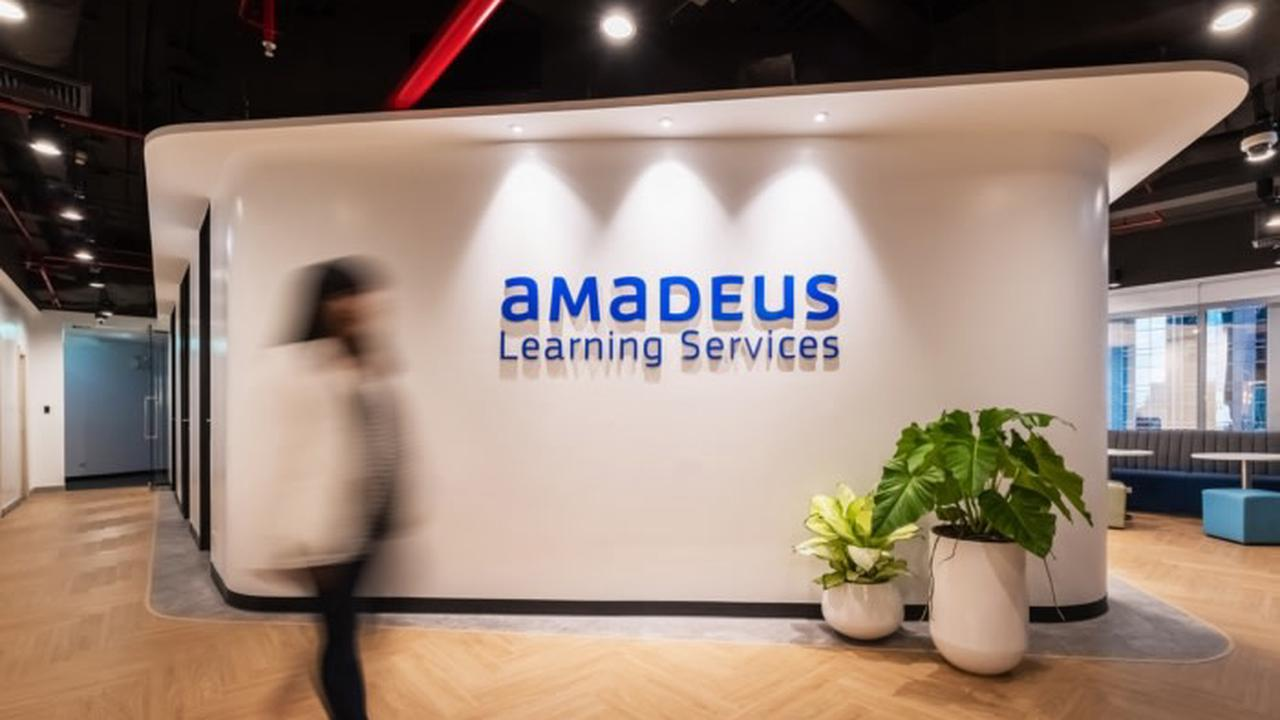 Air Europa became first airline company that introduced digital method of passengers' health checking from Amedeus. Part 1