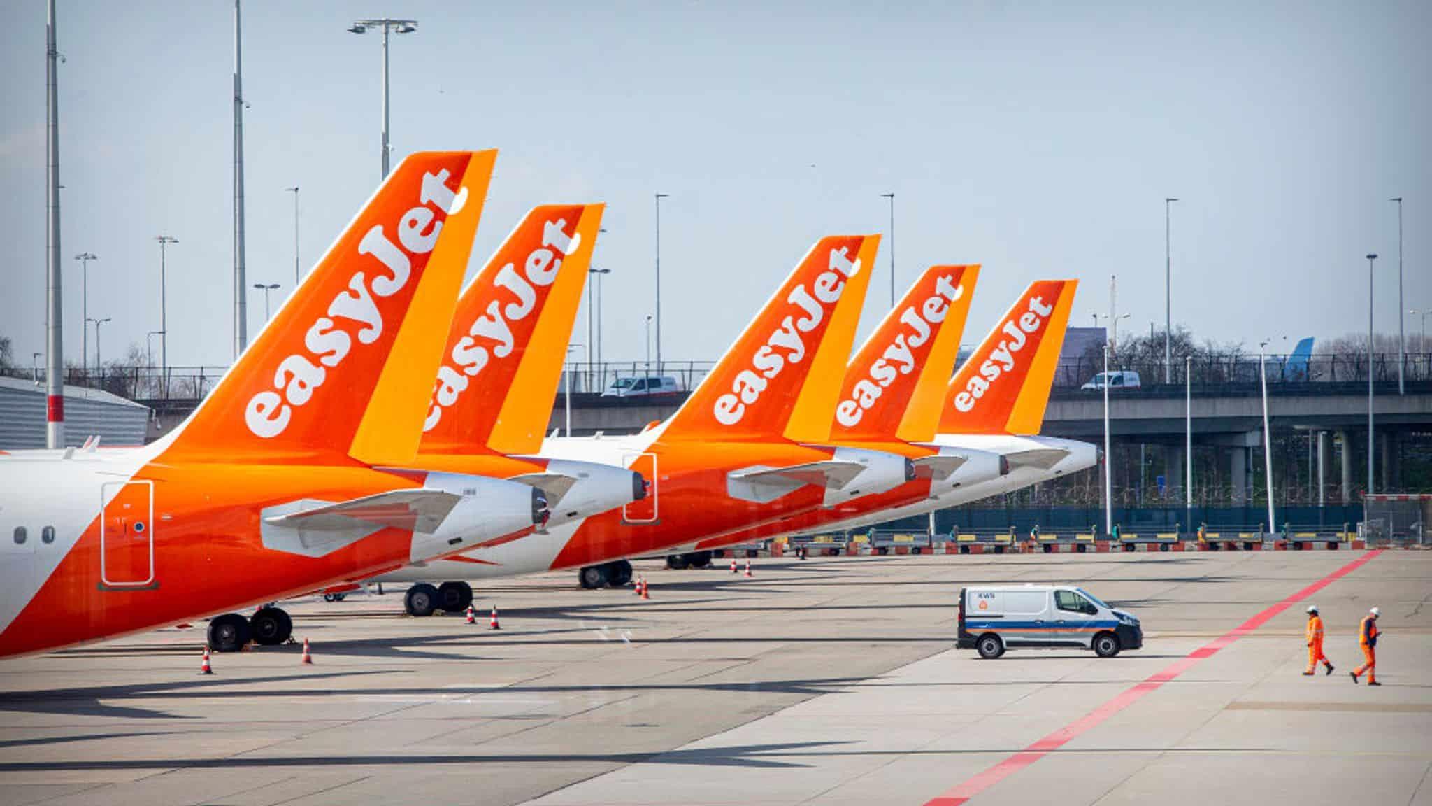 EasyJet will dress flight attendants and pilots in the uniform made of plastic bottles