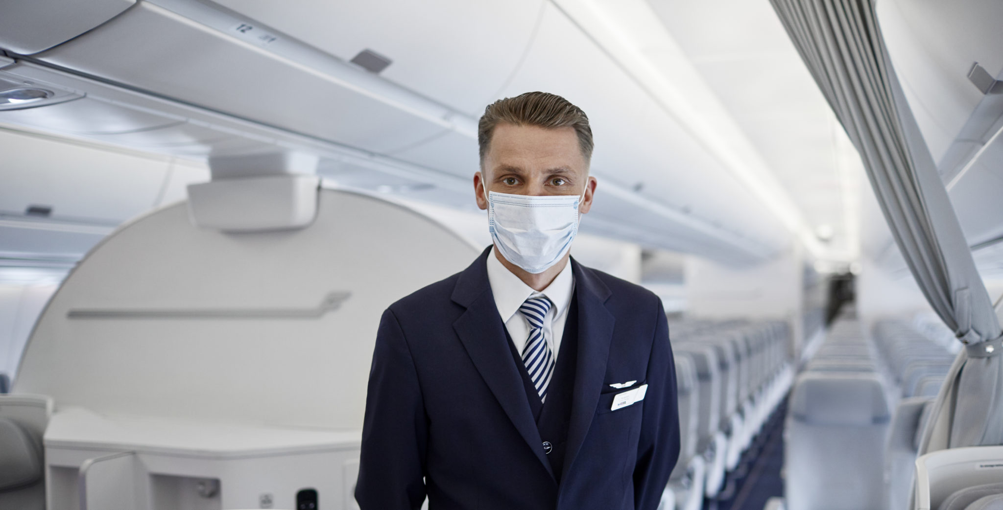 Airline company prohibited to board passengers in cloth masks