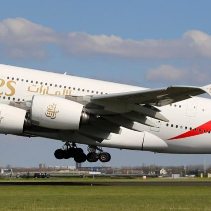 Airbus will deliver to the airline company the last airplanes-giants A380 earlier than expected